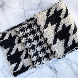 Urban Outfitters houndstooth winter infinity scarf